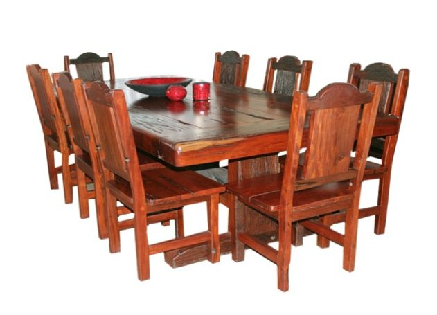 Exclusive offer – 8-seat Sleeper Table and chairs